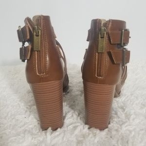 Kenneth Cole Reaction Shoes - Kenneth Cole Reaction Pull Up Wmns Heels Sz 7.5